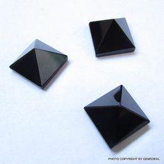 PYRAMID 14 mm Natural Black ONYX Pyramid Square by GEMSDEAL