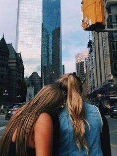 FOTOS TUMBLR DE AMIGAS Este post es más para las amigas, unas ideas para tomarse fotos juntas y originales. Si les gusta estaré po...