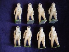 Vintage Britains Soldiers FIRE FIGHTERS OF THE ROYAL AIR FORCE x 8 Set 1758