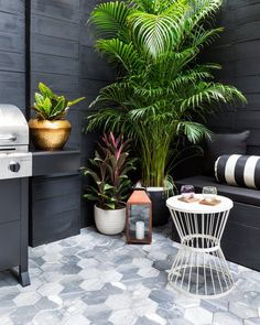 Tour A Stylish Outdoor Gathering Space Commissioned By One Of Rihanna's Favorite Designers Modern Landscape Design, Modern Landscaping, Outdoor Rooms, Outdoor Furniture Sets, Outdoor Decor, Outdoor Dining, Decoration Plante, Balcony Decoration, Terrace Garden