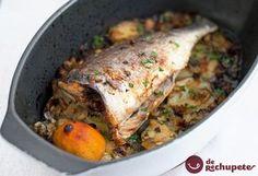 Una de las recetas que más se hace los domingos en España: Dorada al horno con patatas, ¿Os animáis? http://www.recetasderechupete.com/dorada-al-horno-con-patatas/12161/ #dorada