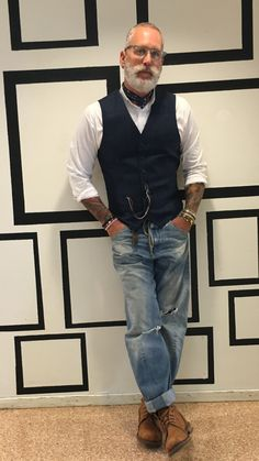 Age old stylish mode outfits, fashion outfits, fashion mode, hipster fashion, men Hipster Stil, Style Hipster, Hipster Fashion Guys, Older Mens Fashion, Mens Fashion Suits, Fashion Outfits, Gilet Jeans, Men's Jeans, Chaleco Casual