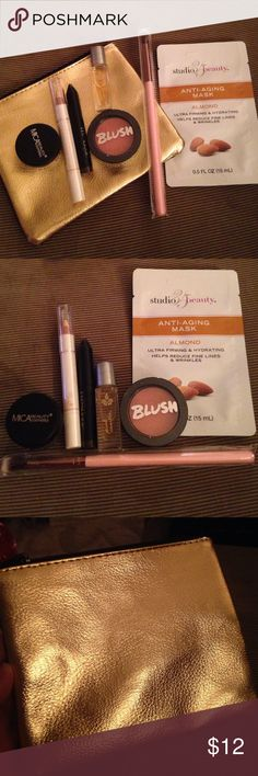 👒👗 IPSY Who doesn't love ipsy bags? This listing includes UNOPENED unused products! 1 gold ipsy bag 1 mica beauty shimmer powder 1 chella ivory lace highlighter (for eyes) 1 mini shadow crayon (kinda coffee) 1 pure vanilla roller perfume 1 blush cheek powder (peach Bellini) 1 tapered blending brush 1 studio 35 beauty anti-aging mask Ipsy Makeup