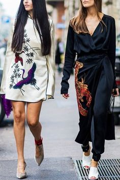 Loving these inspired kimono dresses! Click to see Carrie worthy outfits..