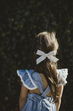 Shop bows from the Le Petit Elle x Wunderkin Co. collection. Handmade for your baby, toddler or little girl and her free spirited style. Each of our bows is made by women in the USA and guaranteed for life. A classic accessory for little adventurers.