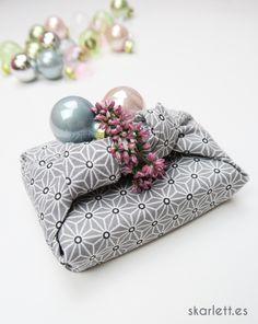 Furoshiki. Envolver regalos en tela