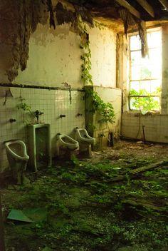 amazing decay ! #urbex