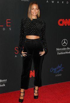 Le cropped top rock de Nicole Richie à New York - Triangular 1-length