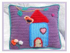 coussin décoration chambre bébé cadeau de naissance : Textiles et tapis par l-atelier-de-zoune