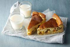 Juustokakku kuivatuista hedelmistä ✦ Kuivatut hedelmät sopivat uunissa paistettavaan juustokakkuun tehden siitä ihanan mehevän ja maukkaan. http://www.valio.fi/reseptit/juustokakku-kuivatuista-hedelmista/