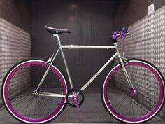 Vélo Fixie Single Speed Fabrik Driver - Chrome et Violet Fabrik Cycles
