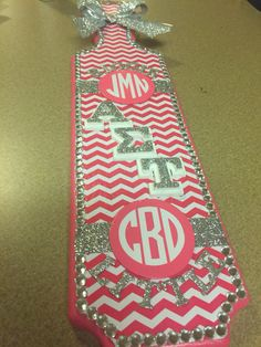 Monograms, chevron, and glitter make the perfect paddle! #ast #paddle #sorority