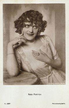 Rosa Porten. German postcard by Photochemie, no. K. 2257. Photo: Mac Walten, Berlin.