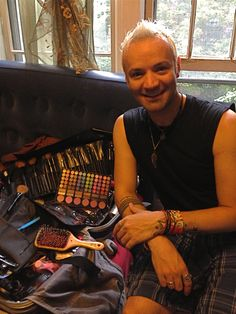 Everyone meet Jose, our hair and makeup artist. Find more about him on www.Happyfiveyears.com !