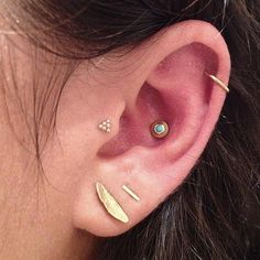 Opt simple and cute earrings for multiple piercing #piercing #womentriangle