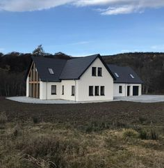 I like left gable wall Bungalow Extensions, House Extensions, Rendered Houses, Dormer House, German Houses, Self Build Houses, Bungalow Renovation, Modern Mansion, Dream House Plans
