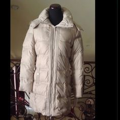 """New Champagne Winter Hooded Down Coat Parka LARGE DETAILS:  Brand: Kenneth Cole Reaction Shell 100% Polyester Fill: 60% down, 40% feathers Lining: 100% Polyester Sleeve length - 25"""" Armpit - ampit measurement - 21.5"""" Shoulder-Shoulder 17.5"""" Flat Waist Measurement - 20"""" Length of Coat- 34"""" Removable fake fur hood Lined Down fill Small pillow collar Zip front with snap closure overlay Care insturctions: Machine washable Color: Champagne Size: L Condition: Brand new with tags attached Kenneth…"""
