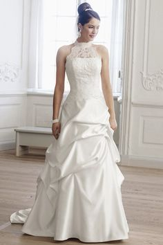 Brautkleid von Lilly - Hochzeitskleid extravagant ...