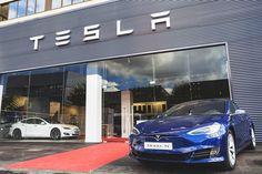 Tesla ya se prepara para un futuro cercano sin suficientes minerales para hacer baterías, según Reuters Tesla Motors, General Motors, Elon Musk, Rat Rods, Wall Street, Porsche 911, Muscle Cars, Ford Focus, Concept Cars