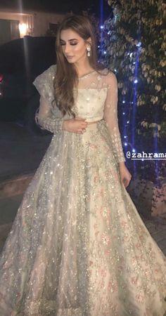 Bridal Dresses 2017, Bridal Mehndi Dresses, Wedding Dresses For Girls, Party Wear Dresses, Bridal Outfits, Bridal Lehenga, Pakistani Fashion Party Wear, Pakistani Wedding Outfits, Pakistani Wedding Dresses