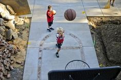old bricks inlaid in concrete/driveway to make basketball court Backyard Basketball, Outdoor Basketball Court, Backyard Gym, Concrete Pad, Concrete Driveways, Louisville Basketball, Basketball Finals, Basketball Backboard, Backyard Renovations
