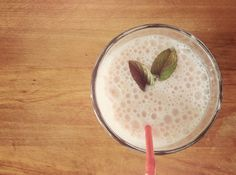 Banana Strawberry Smoothie - healthy, gluten free and low FODMAP