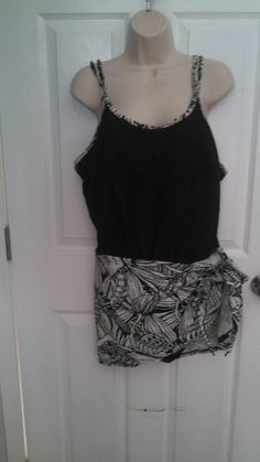 Womens CHRISTINA Black & White Bathing Suit 24W Gorgeous Cruise Attached Wrap