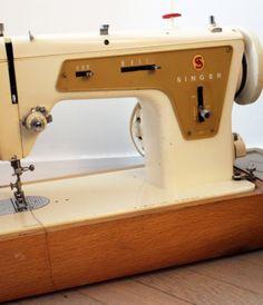 machine coudre singer ancienne sur pied en fonte le meilleur de la brocante vintage. Black Bedroom Furniture Sets. Home Design Ideas