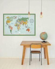 Muursticker wereldkaart   Super hippe wereldkaart in vintage stijl met een educatief tintje.   www.tinklecherry.nl