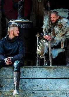 Ragnar Lothbrok & Björn Ironside in Vikings: Season 4.