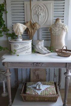 chambre style gustavien meubles romantiques chambre bedroom pinterest d couvrez les. Black Bedroom Furniture Sets. Home Design Ideas