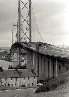 The Forth Road Bridge opens, spanning the Firth of Forth to connect Edinburgh and Fife replacing a centuries-old ferry service - UK 17 August 1964