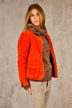 I colori caldi dell'autunno negli abiti Xetra