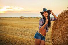 sexy_cowgirl_0_1389191692.jpg (1168×778)