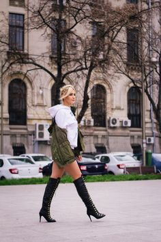 Knee Boots, Fashion Photography, Street Style, People, Shoes, Zapatos, Urban Style, Shoes Outlet, Knee Boot