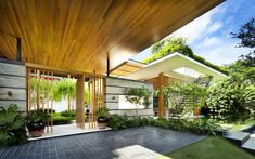Amazing Private Residence : The Willow House by Guz Architects