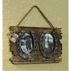 horseshoe picture frame diy with a bite - ImageGator