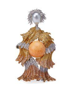 """Gianmaria Buccellati, 2003 Spilla Gran Dama, con perla centrale """"Melo-Melo"""" color arancio, vestito in oro giallo, verde,rosso, bianco, e rosa inciso ed incassato con brillanti fancy"""