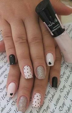 Installation of acrylic or gel nails - My Nails Red Nail Art, Pink Nails, Perfect Nails, Gorgeous Nails, Cute Nails, Pretty Nails, Nail Deco, Nail Art Designs, Classic Nails
