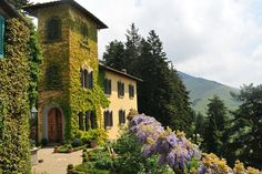Beautiful Italian villa that I would not mind living in!