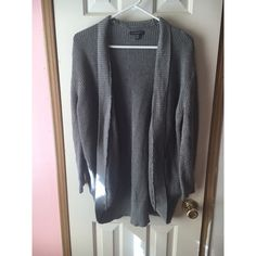 AEO Grey Knit Cardigan Never worn, only tried on! Still have the tags that were on it. Brand new! Has pockets too. American Eagle Outfitters Sweaters Cardigans