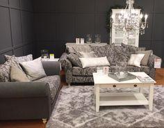 RAMONA-sohvat, APILA-sohvapöytä ja NOMAD-matto Vantaan Porttipuiston myymälässä. #sisustusidea #sisustaminen #sisustusinspiraatio #askohuonekalut #sisustusidea #sisustusideat