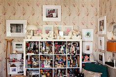 wallpaper  http://theselby.com/2_27_11_KarenAvril/
