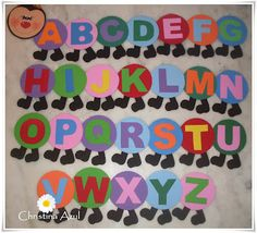 Christina Azul: Alfabeto de centopeia em EVA Classroom Decor, Alphabet, Preschool, Projects To Try, Boards, Letters, Colours, Logos, Crafts