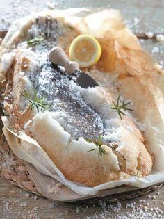 Μυλοκόπι ψημένο σε κρούστα από αλάτι #μυλοκόπι Fish Dishes, Spanakopita, Cheesesteak, Seafood Recipes, Food Network Recipes, Food Porn, Food And Drink, Tasty, Cooking