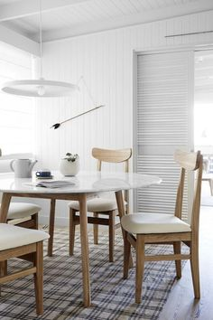 30 Best Oval Tables Ideas You'll Love - InteriorSherpa Circular Table, Oval Table, Kitchen Chairs, Dining Chairs, Dining Table, White Dining Set, Architectural Features, Kitchen Cabinetry, Table Legs