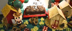 3 little pigs cute ideas for kids party Mesa infantil com o tema dos 3 porquinhos. Muito divertida e lúdica para a criançada www.babolina.com.br