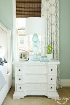 Benjamin moore palladian blue is a mix of blue, green , gray like an earth toned teal. Learn more about it and 7 other great blue green paint colours. One of the most popular paint colours for a nursery, bedroom or bathroom.     #BenjaminMoorepaint #KylieMInteriors #BedroomDecorating #graycashmere  Photo source:  Studio McGee @studio_mcgee