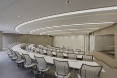 Hyundai Card, Hyundai Capital lecture room Swing Away x Liberty Classroom Architecture, Education Architecture, Home Office, Office Workspace, Corporate Interiors, Office Interiors, School Building Design, Auditorium Seating, Function Hall