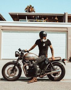 Custom Culture Bobber & Chopper Motorcycles Style, Tattoo and Fashion / Clothing Inspirations